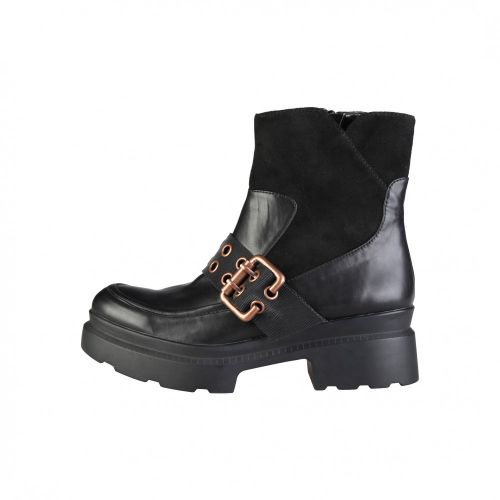 Ana Lublin  boots
